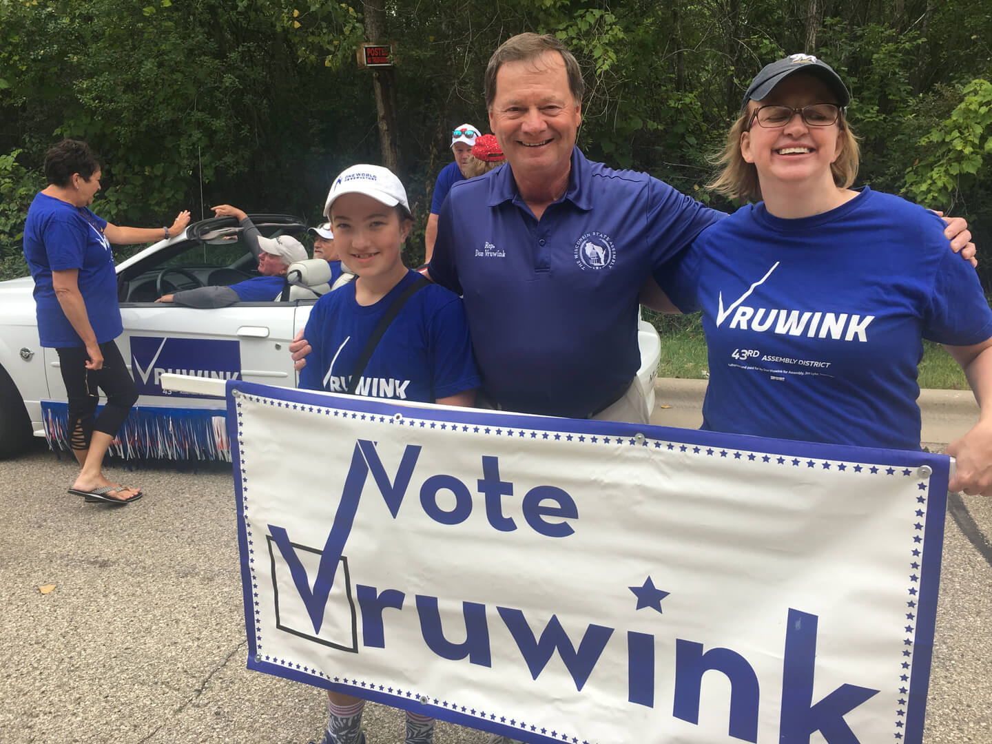 Don Vruwink with supporters 1